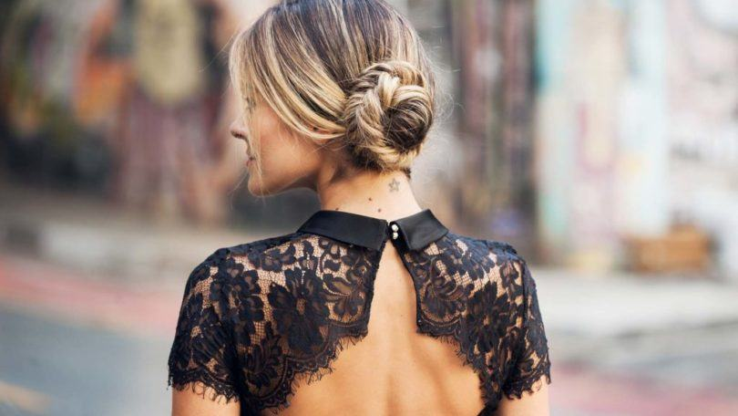 https://dnevniq.com/wp-content/uploads/2017/04/fishtail-braid-side-bun-blonde-braided-chignon-1024x682-810x456-1.jpg