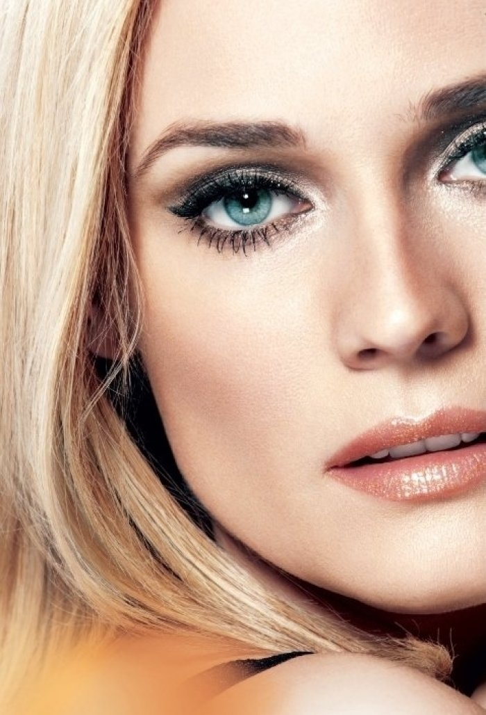 Best makeup for pale skin and blue eyes